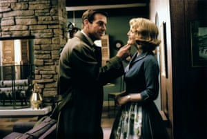 Dennis Quaid and Julianne Moore in Far From Heaven.