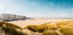 Beach east of of Blankenberge.