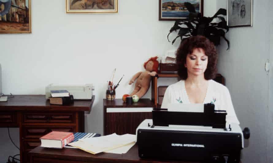 Isabel Allende in Caracas, Venezuela, 1985.