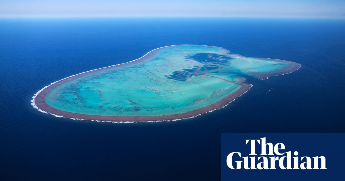 Unexploded 45kg bomb found off Australia's Lord Howe Island – The Guardian