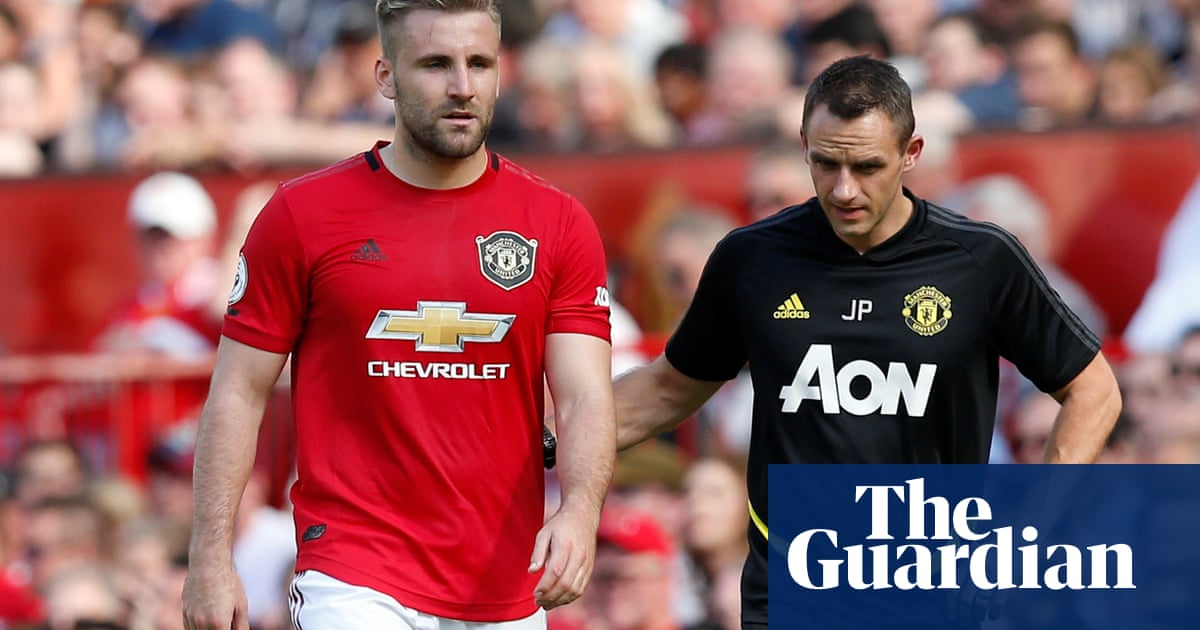 Manchester Uniteds Luke Shaw ruled out for at least five weeks