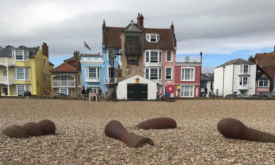 Suffolk town divided over Antony Gormley works placed on beach | Antony  Gormley | The Guardian