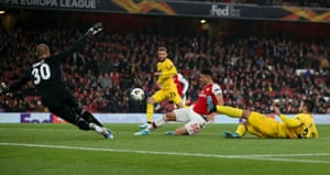 Gabriel Martinelli of Arsenal goes millimetres away from getting his hat-trick.