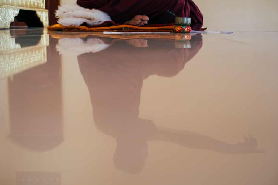 Bhante Buddharakkhita during daily devotions.