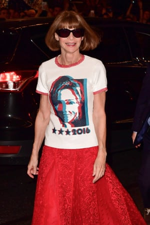 Attending a Hillary Clinton fundraiser in 2016, the year US Vogue endorsed her presidential candidacy – it was the first time the magazine had ever been publicly partisan.