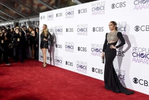 Blake Lively, left, and Jennifer Lopez arrive at the People's Choice Awards