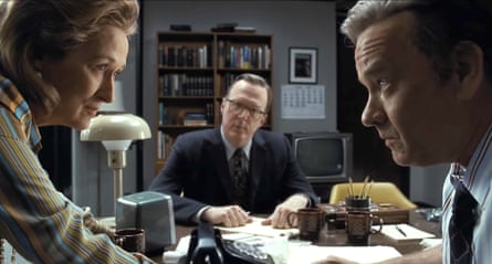 Tracy Letts, flanked by Meryl Streep and Tom Hanks, in The Post.