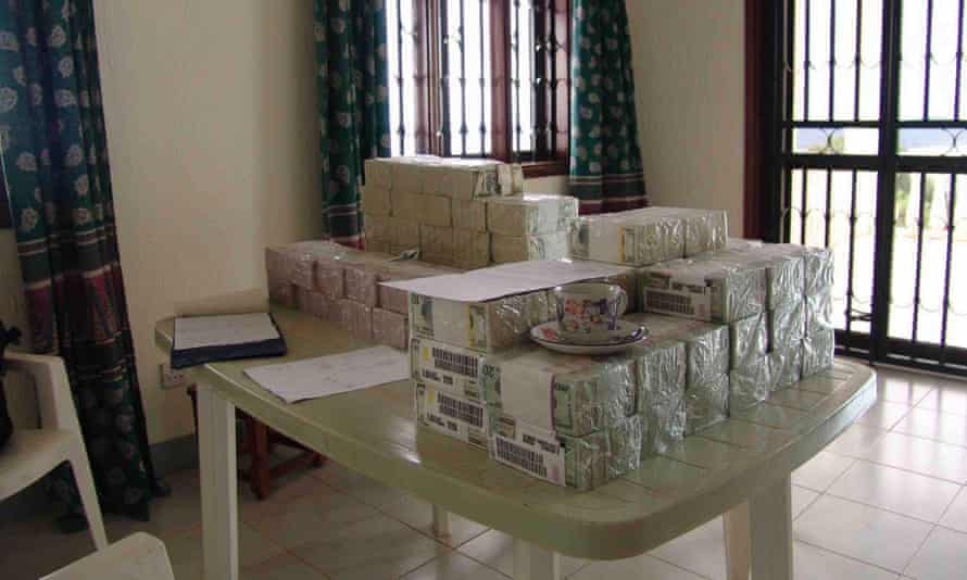One of the smaller cash drops, worth $2.5 million, which Paul Hopkins says was taken over the Ugandan border to the BAT town of Auzi in DRC