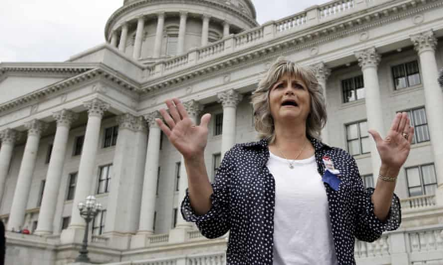 """Jeanette Finicum, widow of rancher LaVoy Finicum who was killed by FBI agents on 26 January, says she rejects that the shooting was justified. """"There's been a lack of honesty from the very beginning."""""""