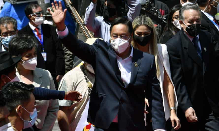 Luis Arce waves upon arrival at Murillo square in La Paz on Sunday for his swearing-in ceremony.