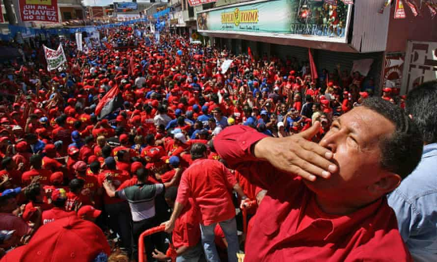 Hugo Chávez greeting supporters during a political gathering in the town of Guarico in 2006.