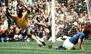 Pelé scores for Brazil in the 1970 final against Italy.