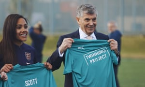 David Dein and former England player Alex Scott are both involved in the project.