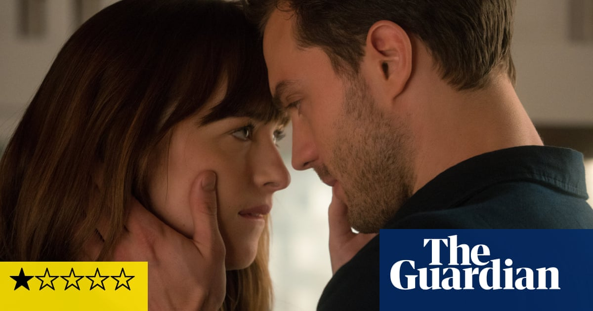 Fifty Shades Darker Review Submissive Sequel Offers Little Light