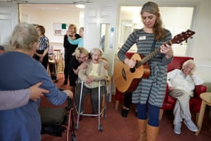Music therapy at the Homestead in Carterton with music therapist Laura Bolton