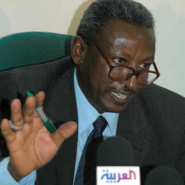 Ahmed el-Müftü, Hartum'daki 2005 basın toplantısında
