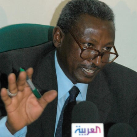 Ahmed al-Mufti at a 2005 press conference in Khartoum