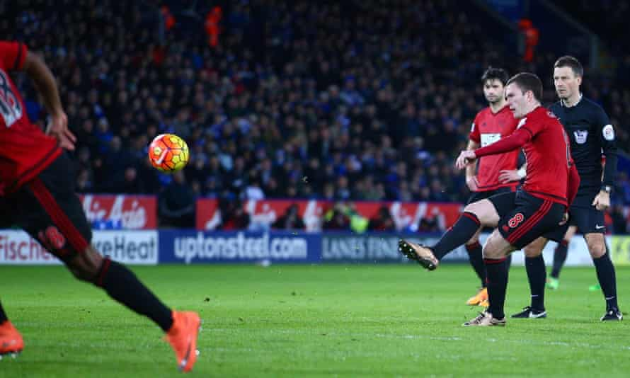 Craig Gardner's second-half free-kick denied Leicester victory in a pulsating clash at the King Power Stadium.