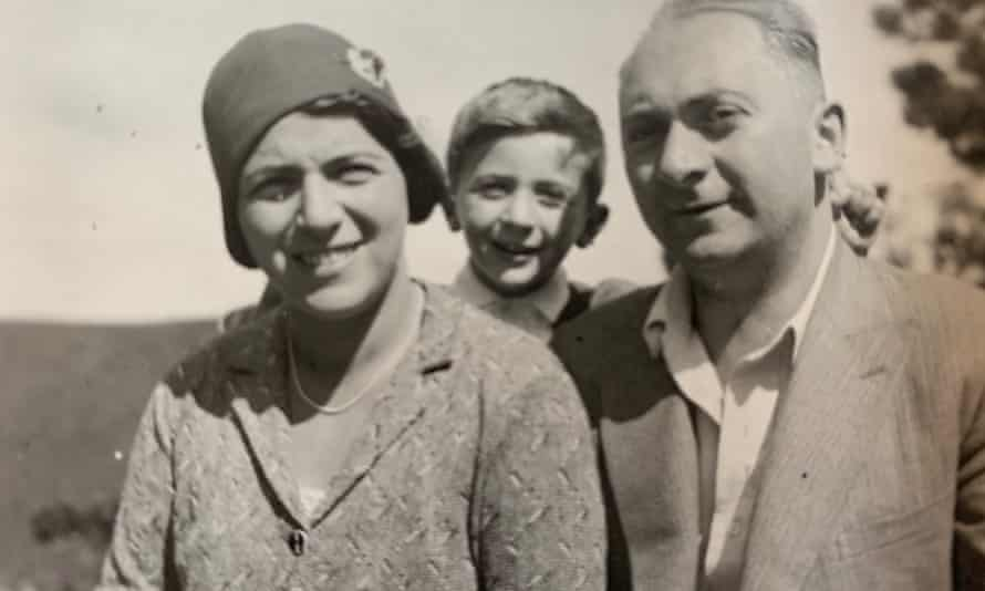 Erna, Robert and Leo Borger in Austria in the early 30s.