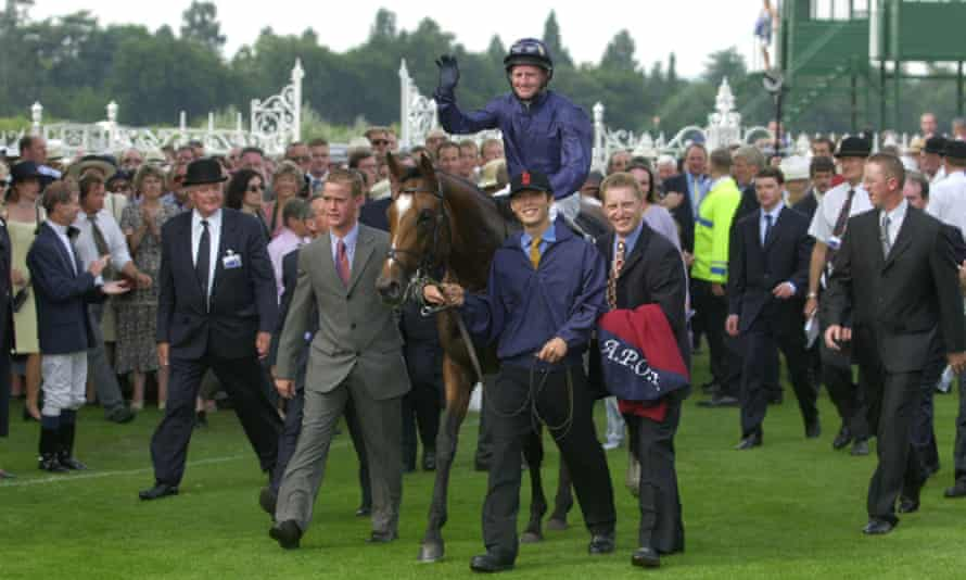 Galileo with the jockey Mick Kinane after winning the King George VI and Queen Elizabeth Diamond stakes at Ascot in 2001.