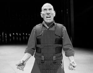 Pete Postlethwaite as Macbeth