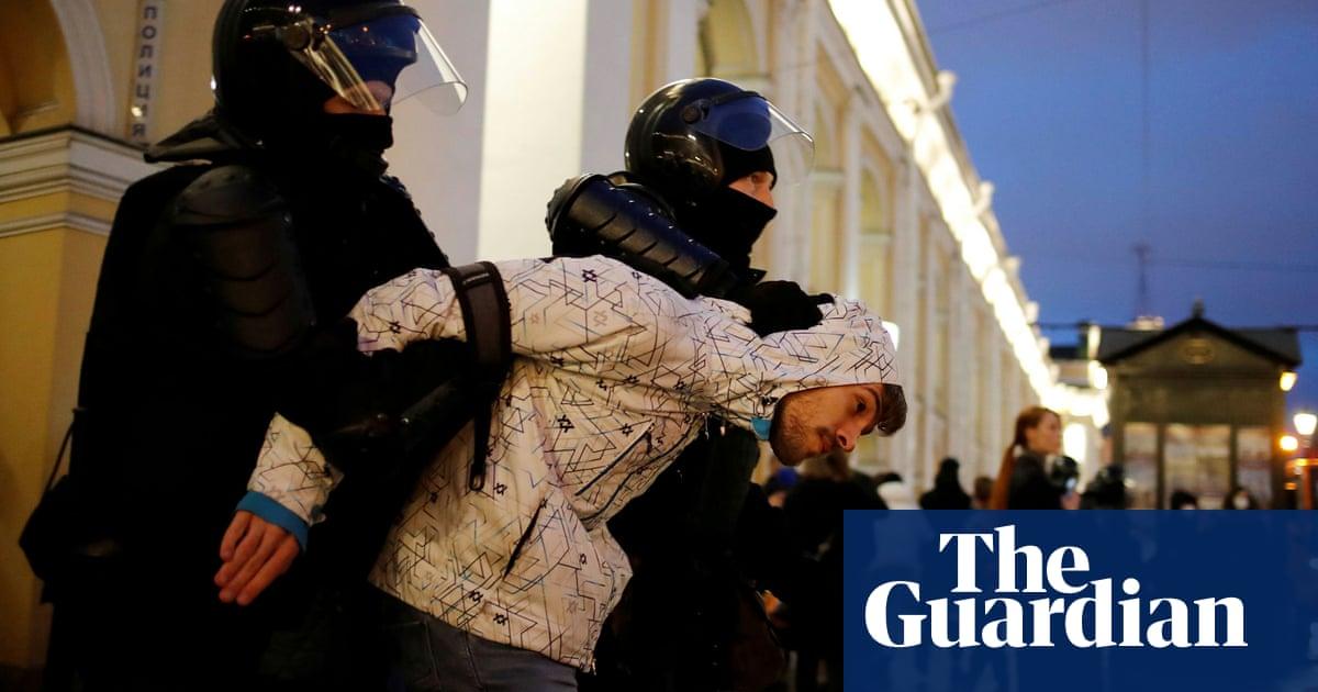 Russia suspends activities of Alexei Navalny's organisation