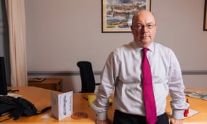Former minister of state for the Middle East, Alistair Burt, says a US war with Iran would be 'insane'.