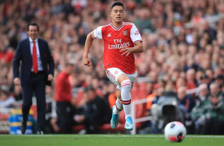 Unai Emery continues to have faith in Arsenal's younger players, bringing Gabriel Martinelli off the bench.