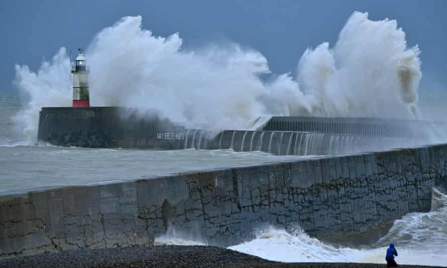 Huge waves over harbour wall
