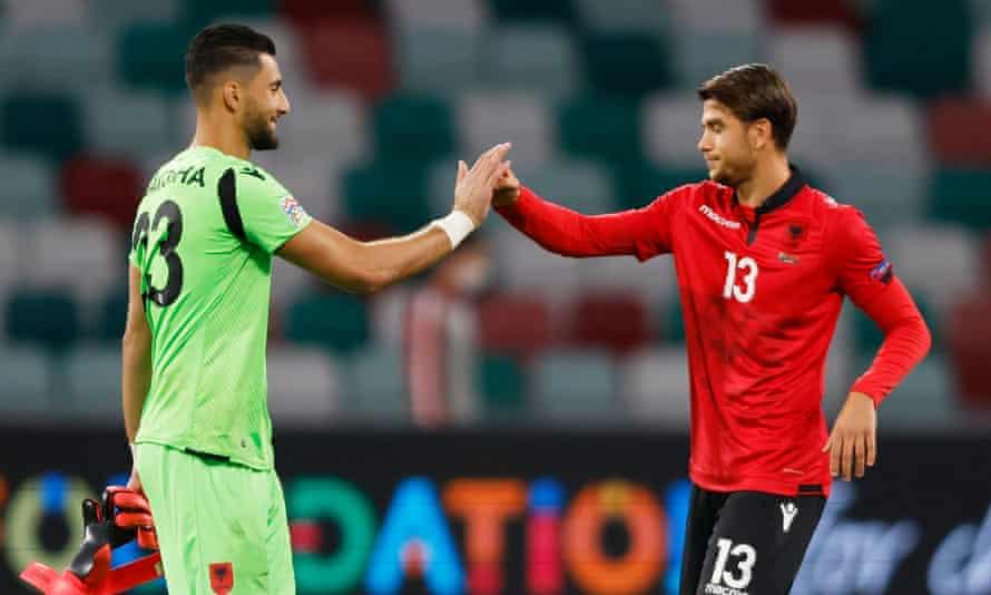 توماس استراکوشا در آستانه قهرمانی آلبانی در لیگ ملت ها با نتیجه 2-0 در سپتامبر سال گذشته با Enea Mihaj در بلاروس جشن گرفت.