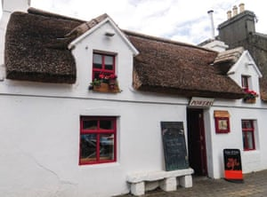 Powers Thatch, Bar & Restaurant, Oughterard, Ireland