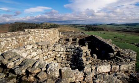 Ruins of the barnsUNITED KINGDOM - NOVEMBER 15: Ruins of the barns, Housesteads Roman Fort, Hadrian's Wall (Unesco World Heritage List, 1987), Northumberland, England, United Kingdom. Roman civilisation, 2nd century. (Photo by DeAgostini/Getty Images)