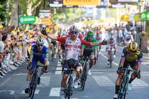 Australia's Caleb Ewan wins stage 11 at the 2019 Tour de France