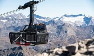 Tignes Cable Car. Tignes has unveiled its upgraded Grande Motte glacier cable car cabins