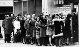 A bread queue in London in 1974