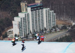 France's Pierre Vaultier leads the pack during the men's snowboard cross final.