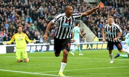 Salomon Rondón celebrates his second goal for Newcastle against Bournemouth.