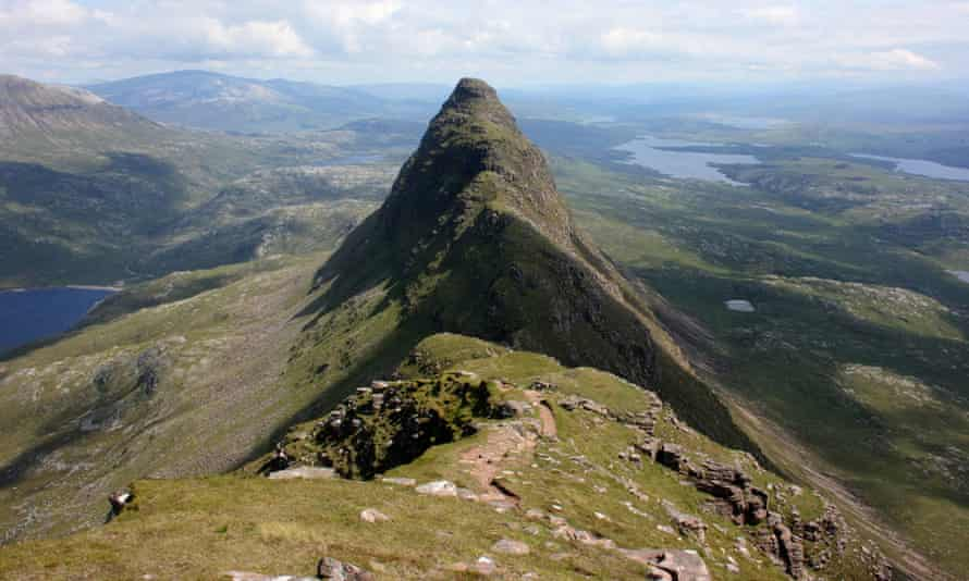 Suilven mountain in Sutherland, where the Foehn Effect is contributing to warm temperatures.