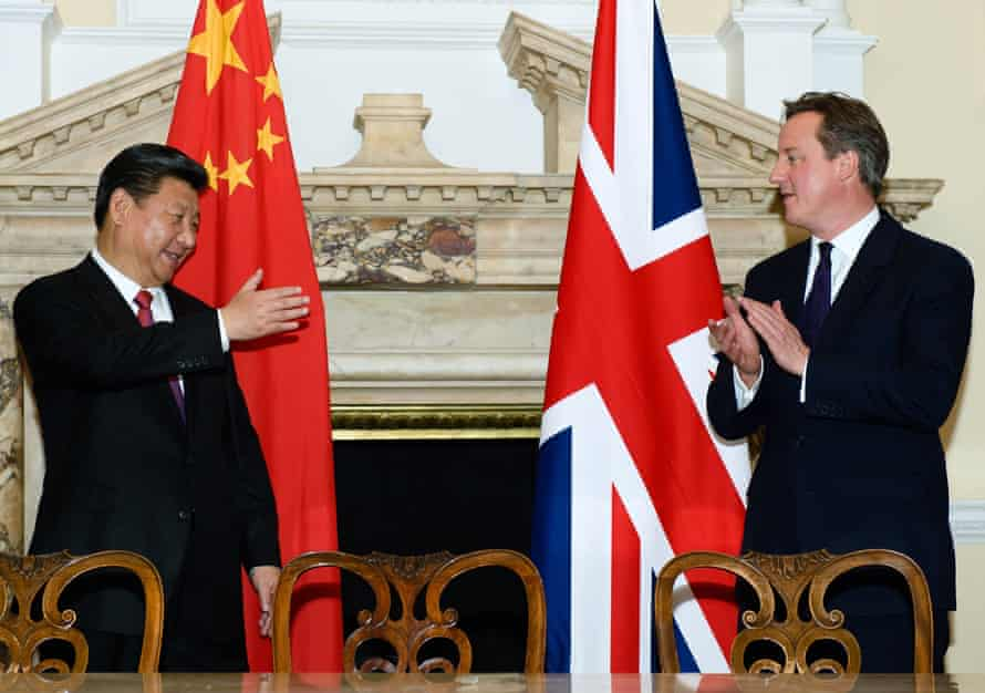 Xi and Cameron attend a commercial contract exchange at the UK-China Business Summit at Mansion House