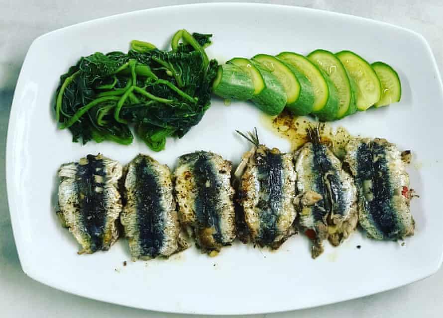 Fresh seafood and vegetables at Kalamakia Taverna, Skoutari
