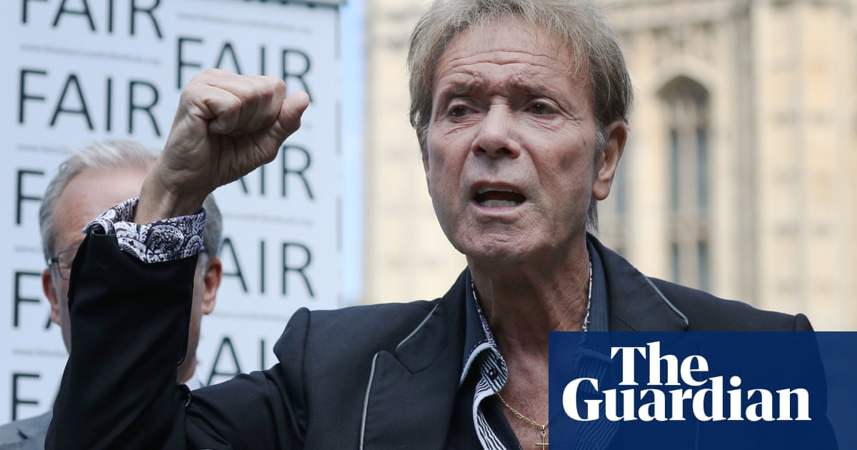BBC pays out £2m in legal costs to Sir Cliff Richard