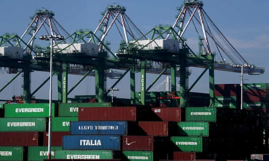 kontainer pengiriman