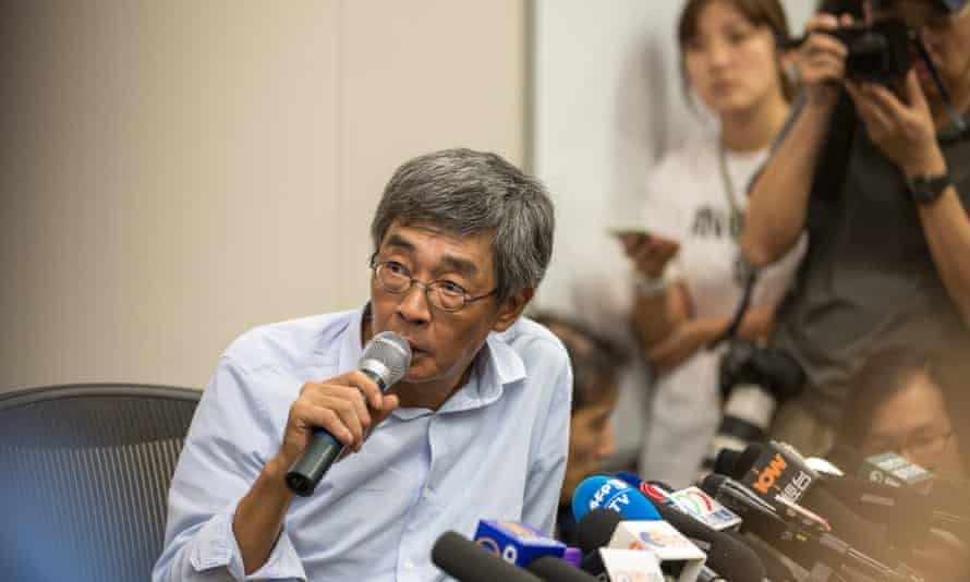 Hong Kong bookseller Lam Wing-kee tells a press conference how he was abducted by Chinese special forces.