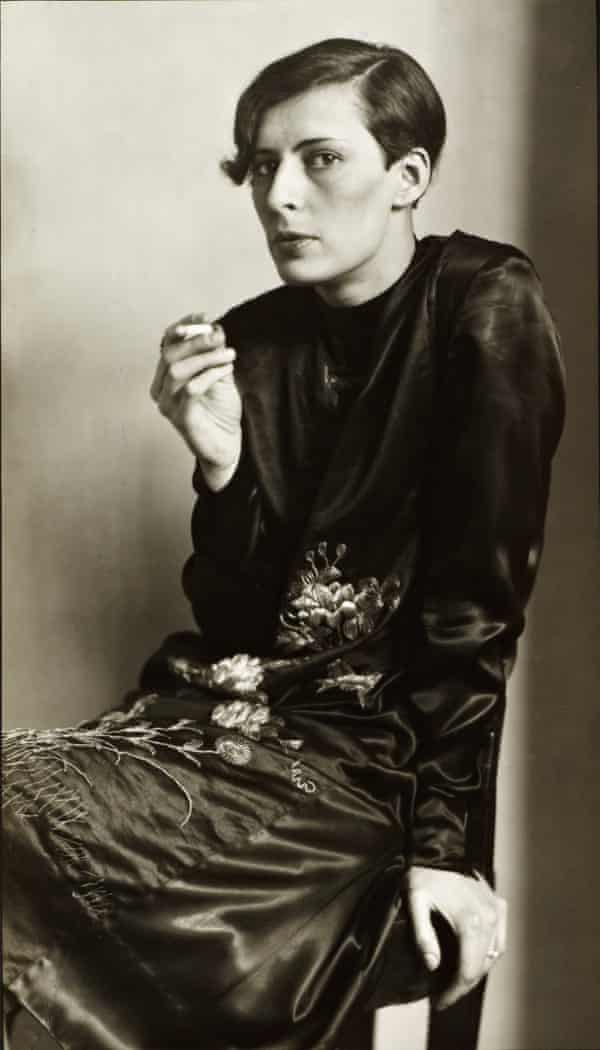Weimar sophisticate … Secretary at West German Radio, Cologne, photograph by August Sander, 1931, in Portraying a Nation: Germany 1919–1933 Tate Liverpool, 23 June - 15 October 2017.