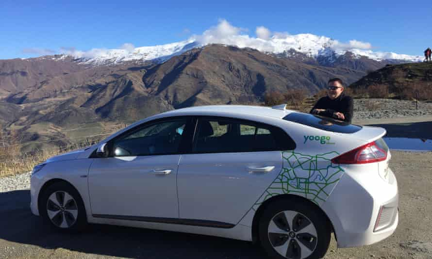 Shaun Hendy caught trains and electric cars in New Zealand for a year to reduce his carbon footprint on air travel.