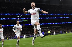 Kane celebrates his fifth goal of the campaign.
