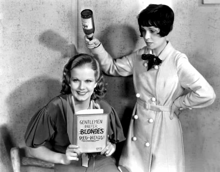 Jean Harlow and Anita Loos in a publicity photo for Red Headed Woman.