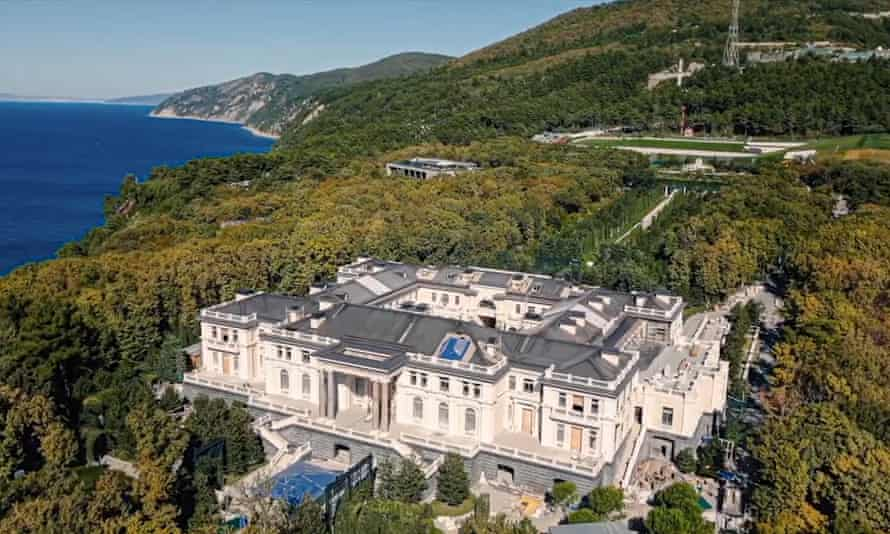 A screengrab from Navalny's video showing the £1bn Black Sea palace allegedly built for Putin
