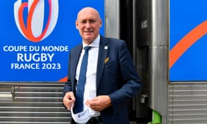 Bernard Laporte has written a letter to the FFR member clubs saying 'a coordinated campaign of destabilisation is sweeping down French rugby'.