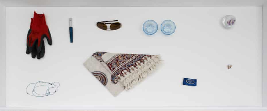 Manchester Vitrines 2017 features objects of personal value lent by refugees living in Manchester.